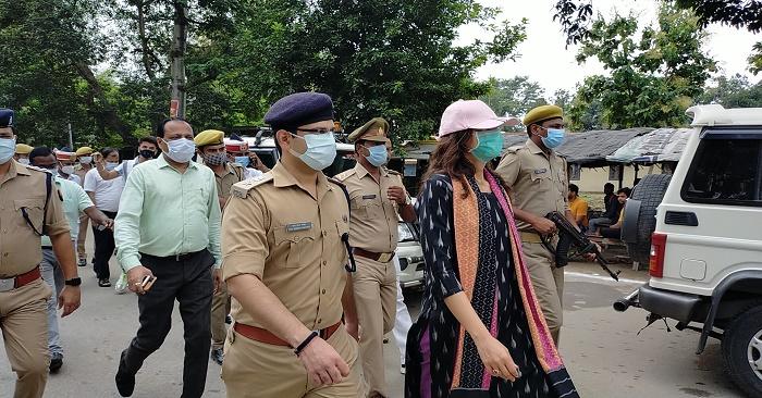 बलिया बलिदान दिवस पर डीएम, एसपी ने शहीदों को नमन किया, दुबहर में प्रथम  शहीद को श्रद्धांजलि दी गई