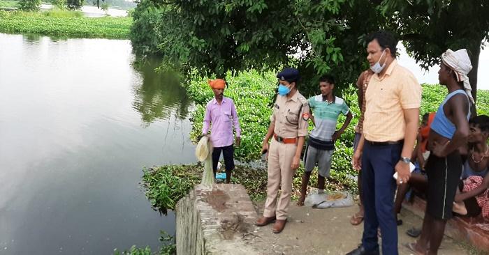 बलिया में अब गंगा के बाद सरयू नदी खतरे के निशान से ऊपर, तटीय लोगों में दहशत