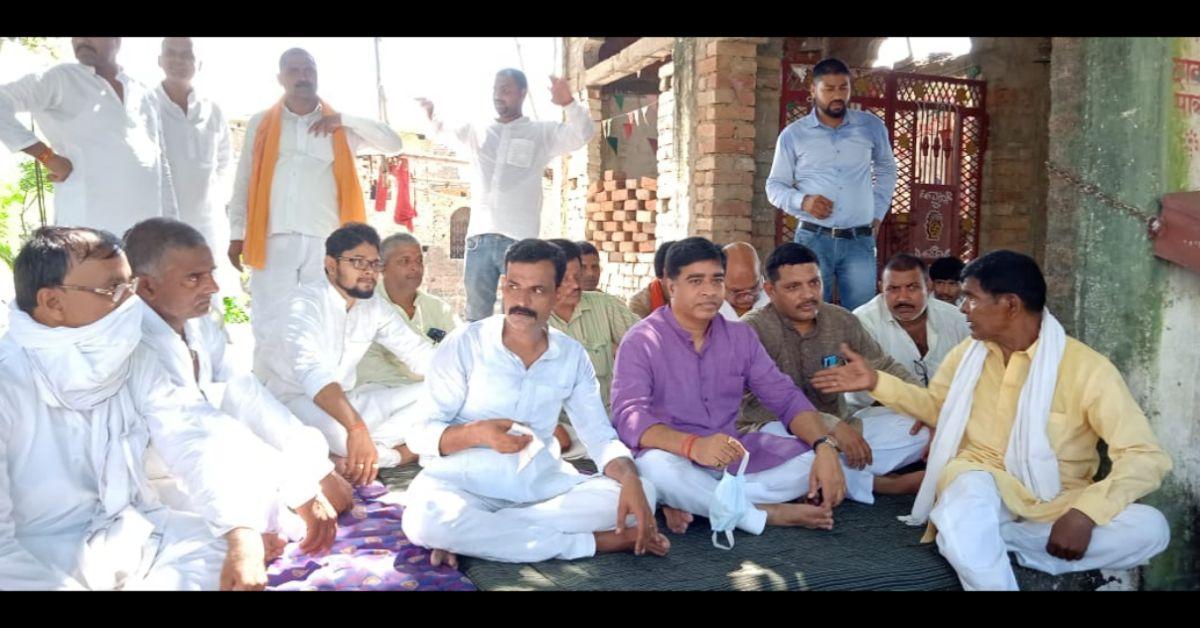 जन चौपाल में ग्रामीणों ने विधायक से समस्याओं के समाधान की अपील की