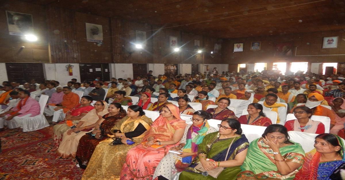 बेसिक शिक्षा राज्यमंत्री बोले सरकारी विद्यालयों में बढ़ रही है छात्रों की संख्या, भाजपा ने सूरत बदल दी