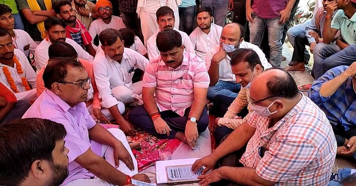 सामुदायिक स्वास्थ्य केन्द्र सोनबरसा में समाप्त हुआ आमरण अनशन, अधिकारियों ने दिया आश्वासन