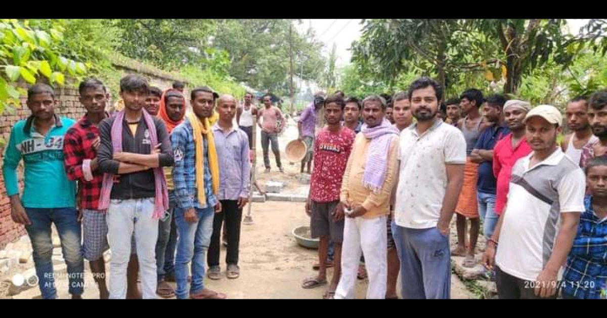 मनियर के ग्रामीणों ने रोका सड़क का काम, लगाया मानक की अनदेखी का आरोप