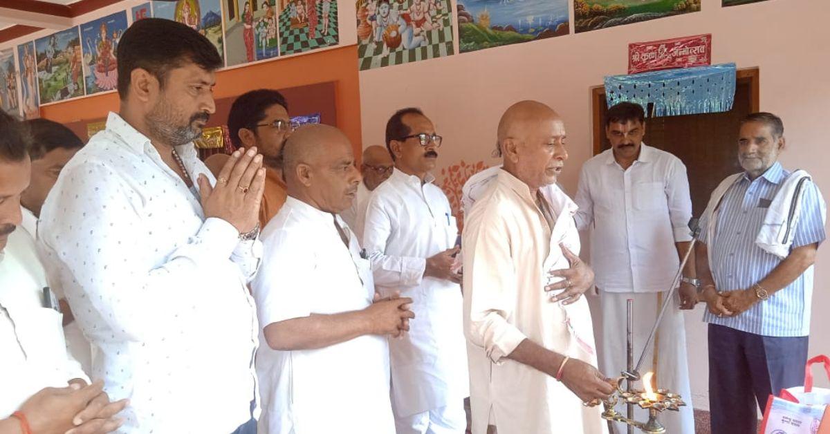 लक्ष्मी प्रपन्न जीयर स्वामी जी महाराज के चतुर्मास व्रत के निमित्त श्री राम जानकी मंदिर में बैठक संपन्न