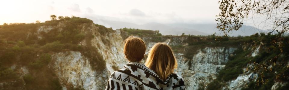 blanket-cliff-female-573561