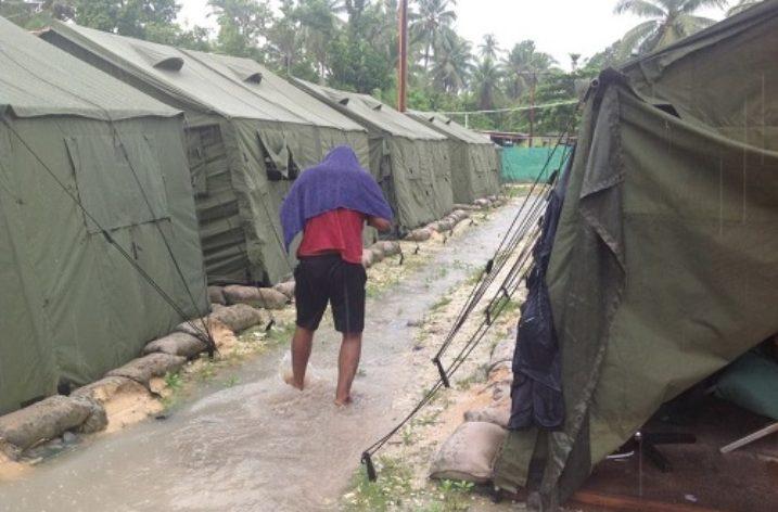 Manus Island: Australia abandons refugees
