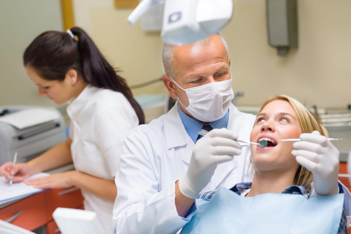 ¿Qué es la Ortodoncia sin Brackets?