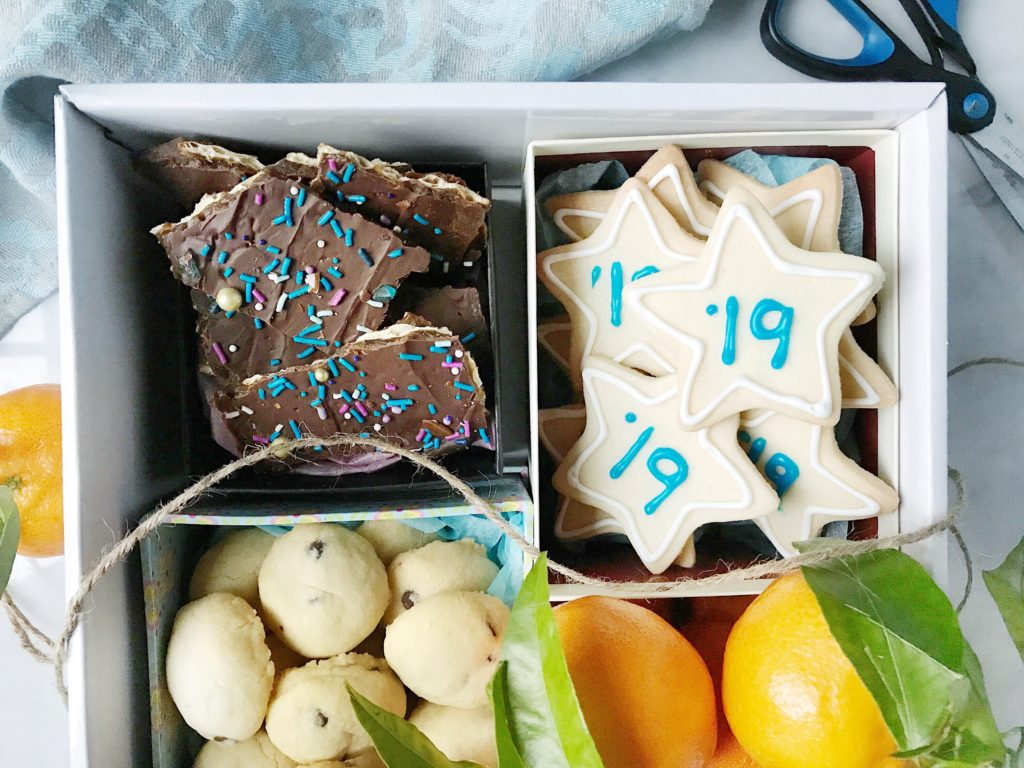 New Year's Cookie Box