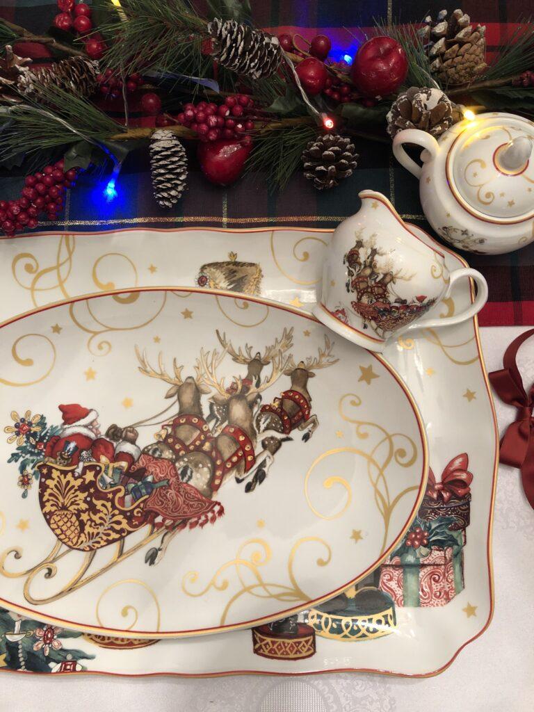 Christmas-themed Tableware