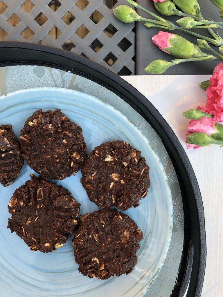 Vegan Chocolate Fudge Made With Dates