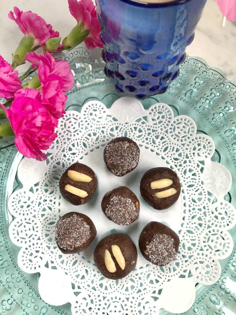 Chocolate Almond Energy Bites