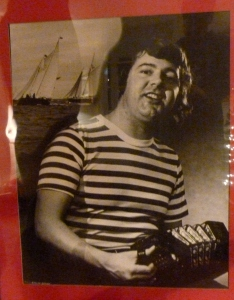 Early to mid 1970s - Cliff tells me that the Gris would have this sitting on an art tri-pod stand in the front foyer to promote him on Mondays for when he was solo on Sea Chantey Night.