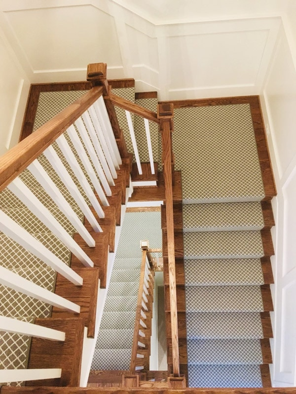 Green and White Modern Grate Texture Carpet Runner on Stair Case by Farsh Carpets & Rugs