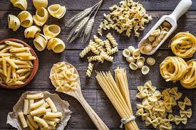 mixed pasta table