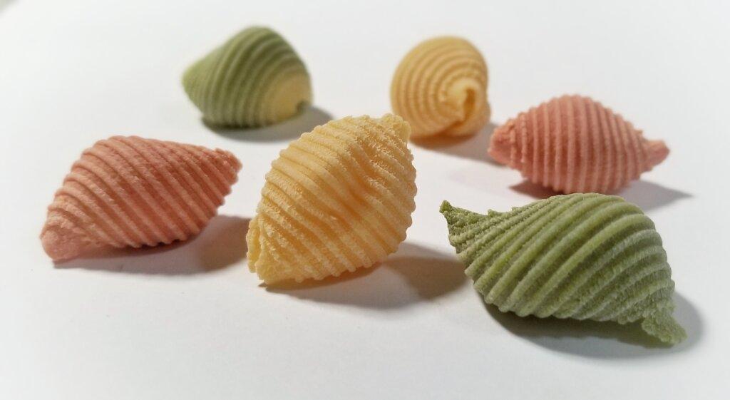 tri-color conchiglioni