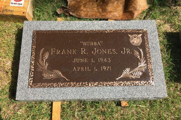 Monuments-Tombstones-Bronze-Markers-13