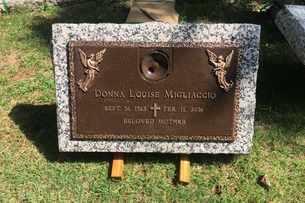 Monuments-Tombstones-Bronze-Markers-15