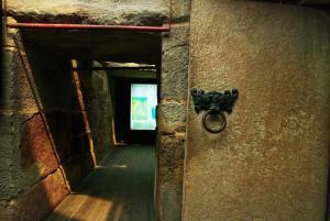 tomb_entrance