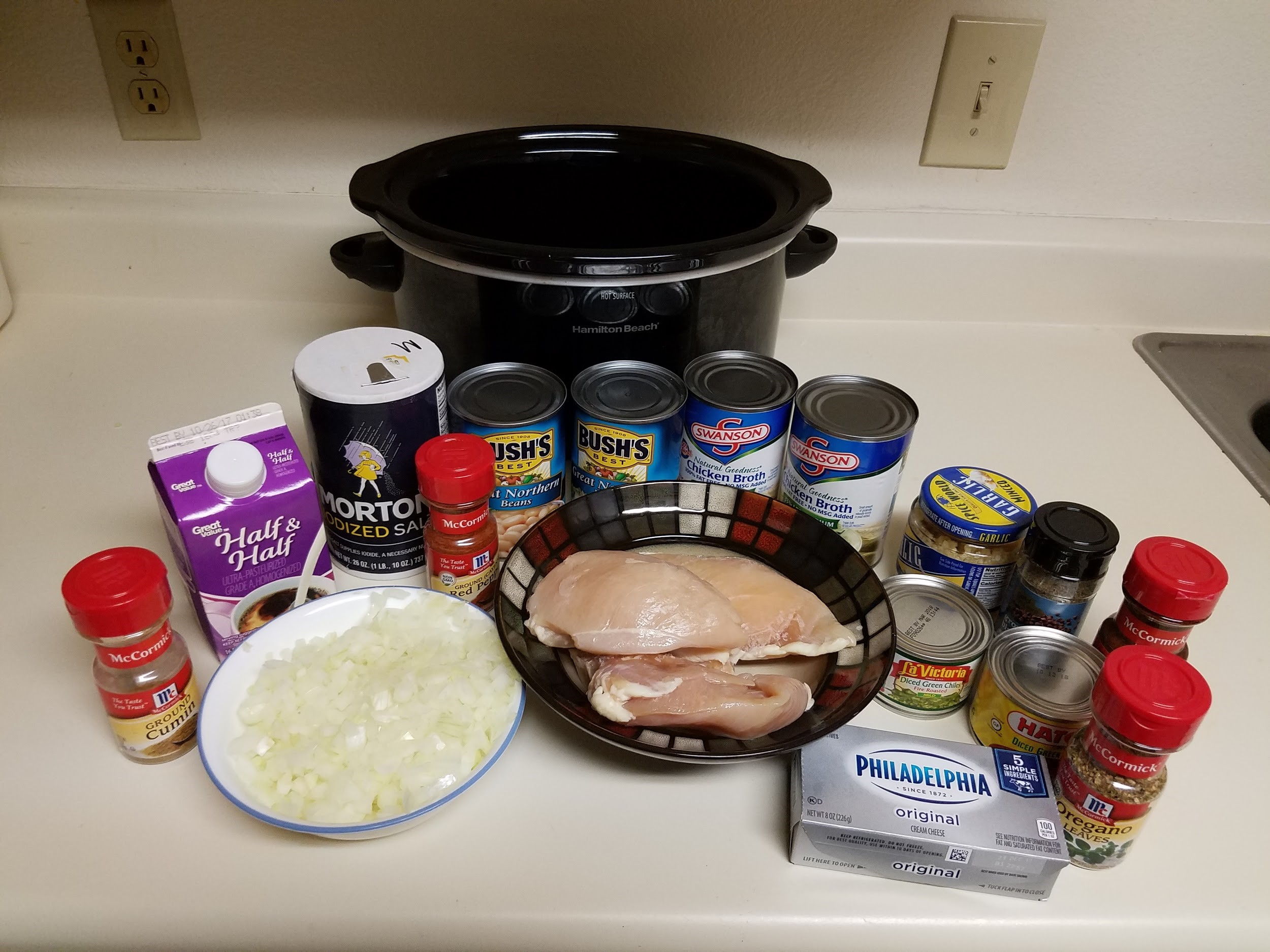 Ingredients for incredible slow cooker white chicken chili