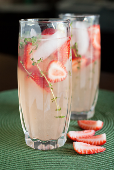 Strawberry Thyme Lemonade by Culinary Covers