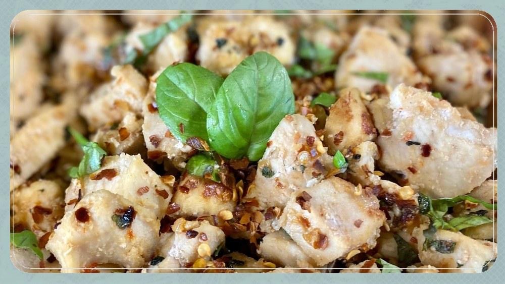 Easy Spicy Basil Thai Chicken