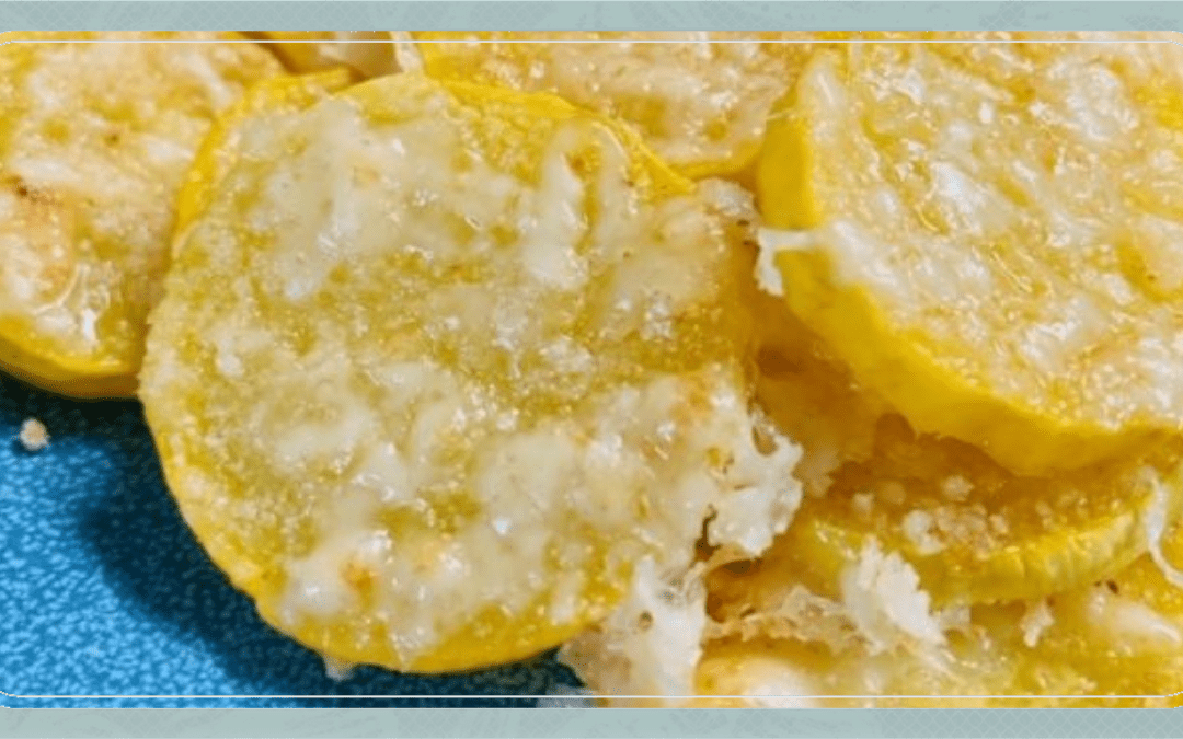 Garlic Parmesan Yellow Squash Rounds