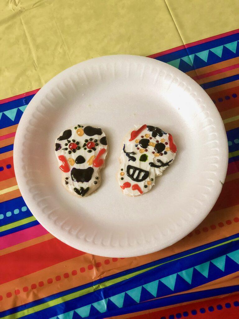dia de los muertos cookies are so fun to make!