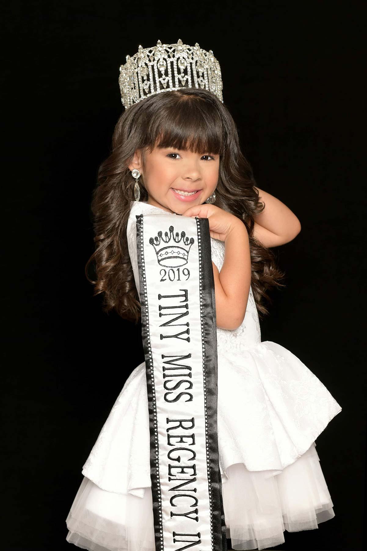 Tiny Miss Regency International 2019 -2020 Dahlia Schwartz