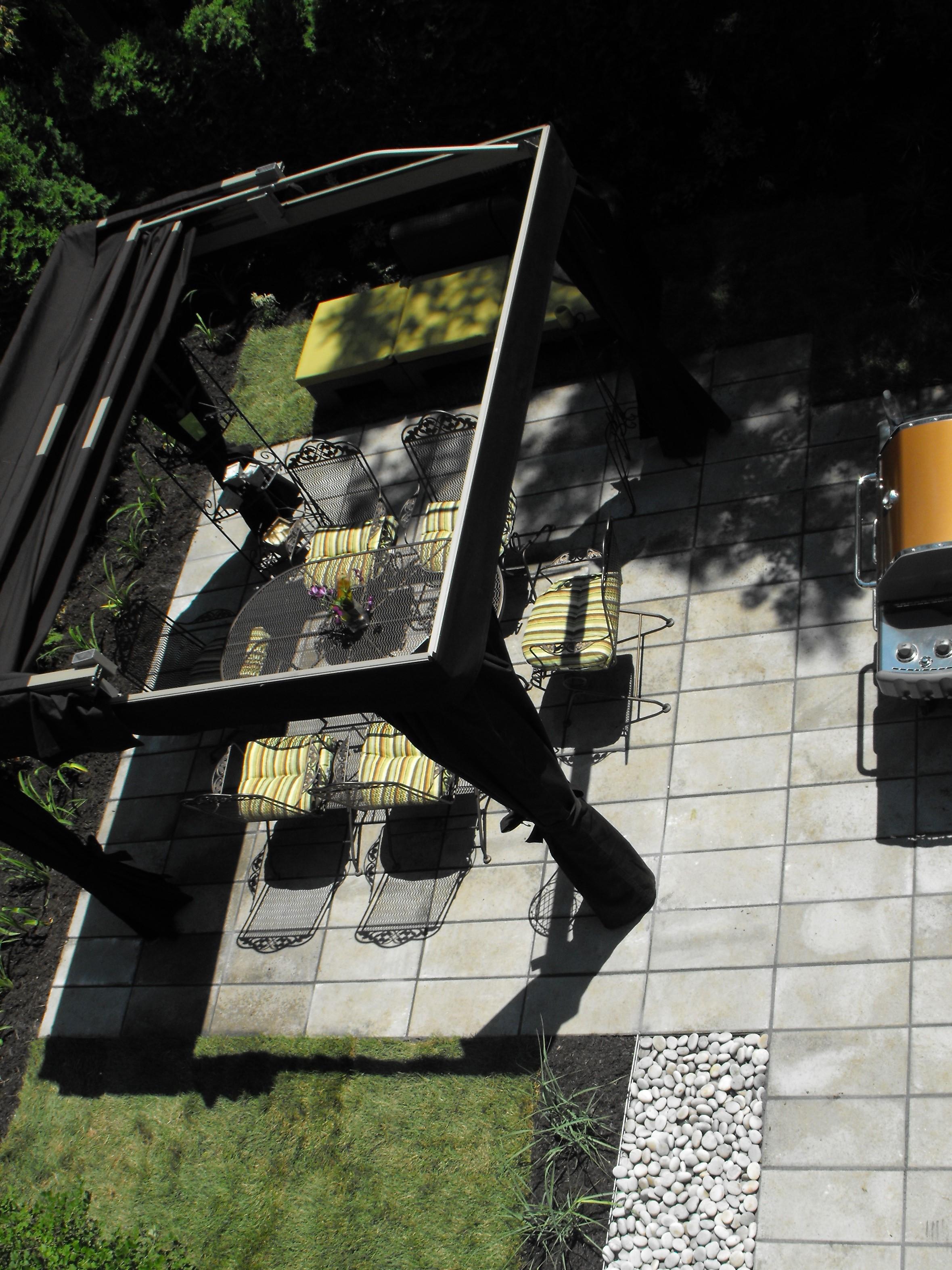 Abris cabriolet sur terrasse Royale 12»x 24»