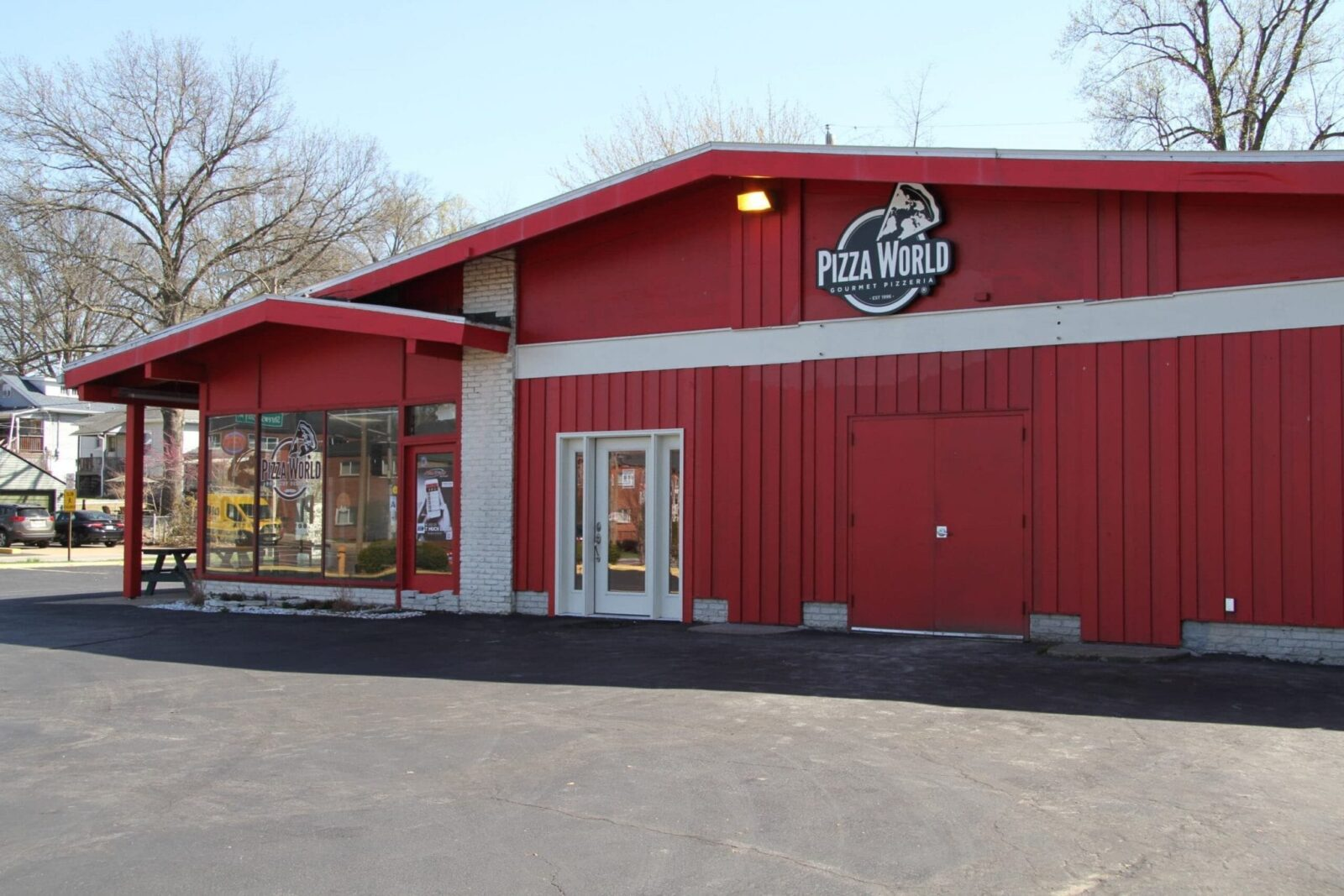 Pizza World in Shrewsbury is highly rated by customers and hiring