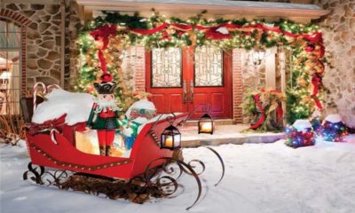 18 Christmas Front Porch Decorating Ideas