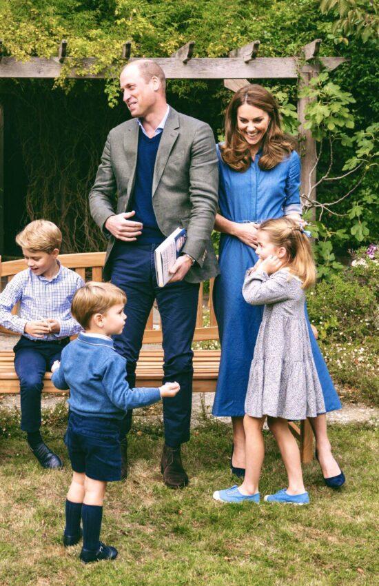 Kate Middleton in Denim Shirtdress for Backyard Family Photo