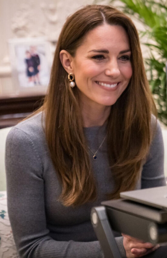 Kate Middleton in Gray Jumper for Holocaust Remembrance Day