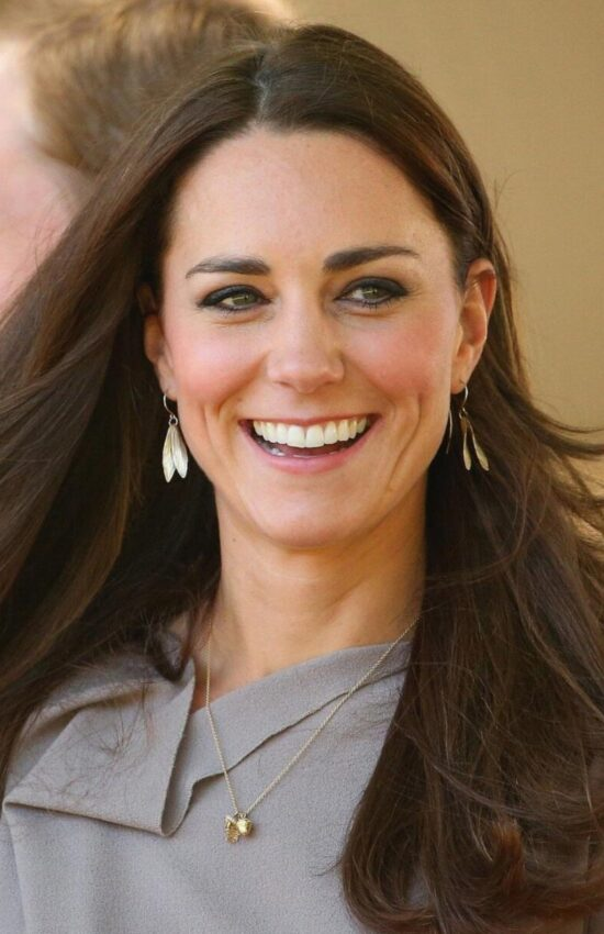 Play CopyKate with these Kate Middleton Inspired Leaf Earrings