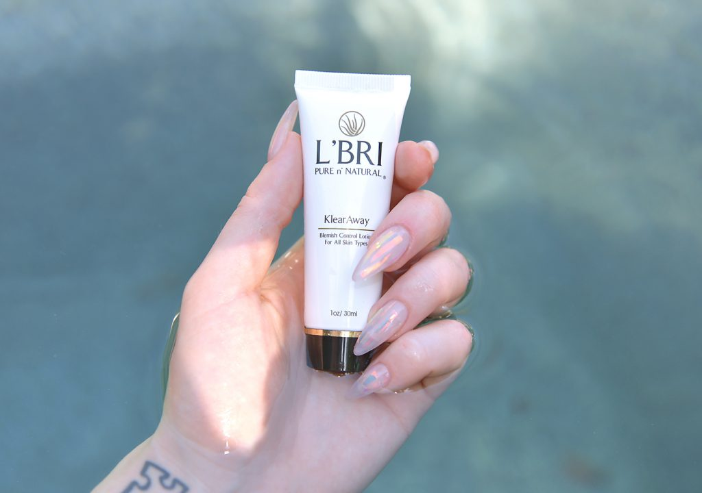 Los Angeles Cruelty-Free Beauty Blogger, Emily Wolf Beauty is sharing a Summer skincare routine with L'BRI products for oily skin.