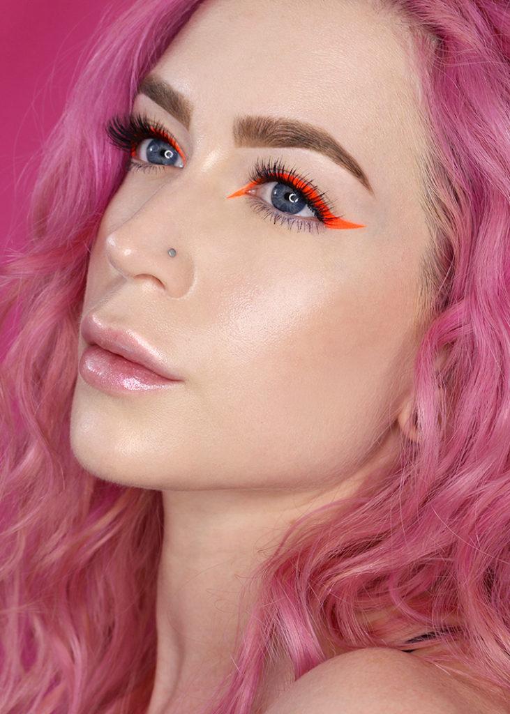 Winged eyeliner tutorial using Suva Beauty Hydra Liner