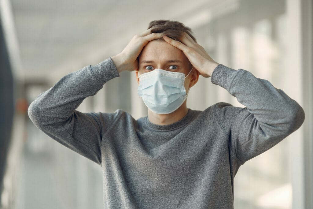man with covid-19 mask on