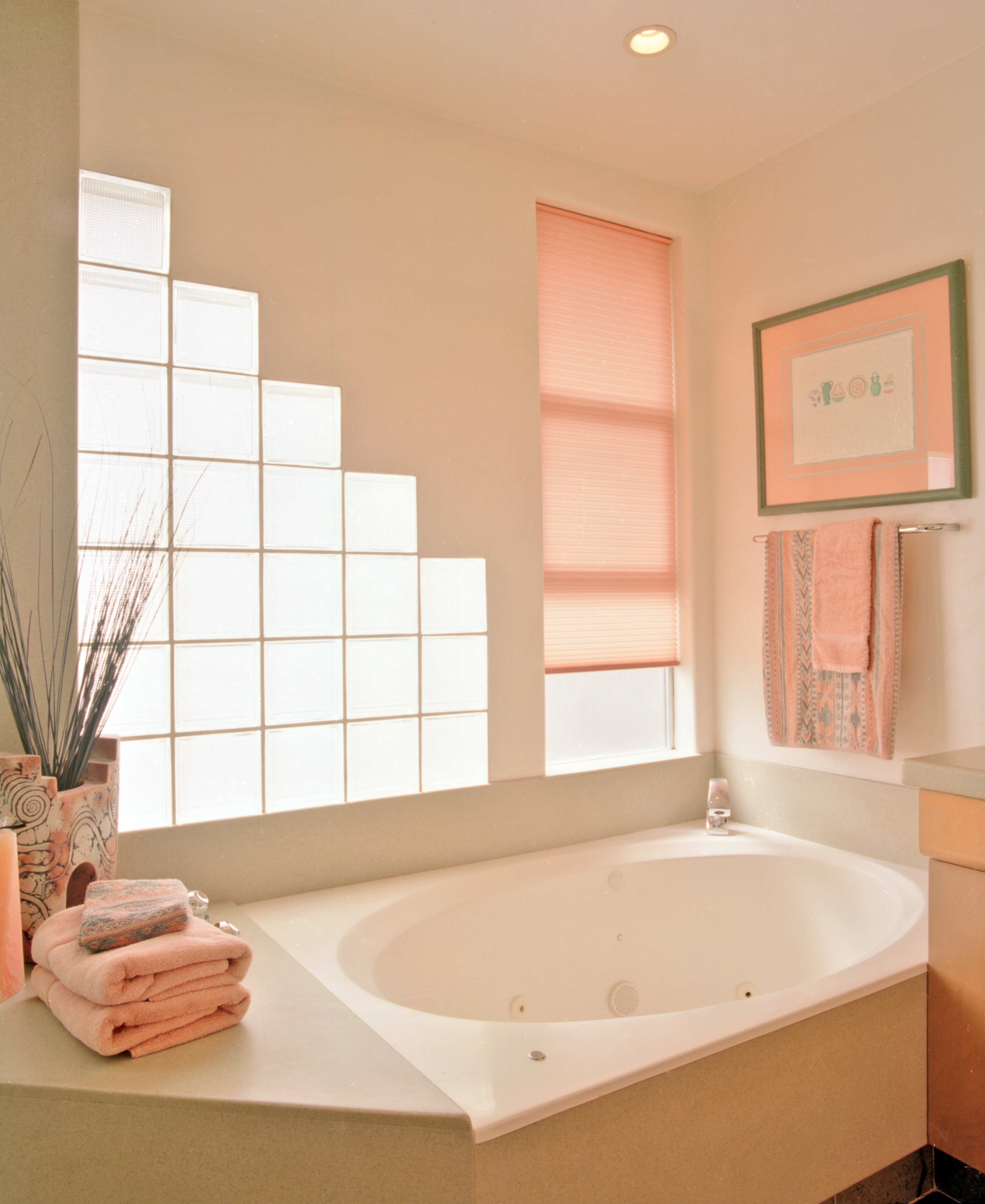 Bathroom-Surround-Cultured Marble-Salmon-LOW