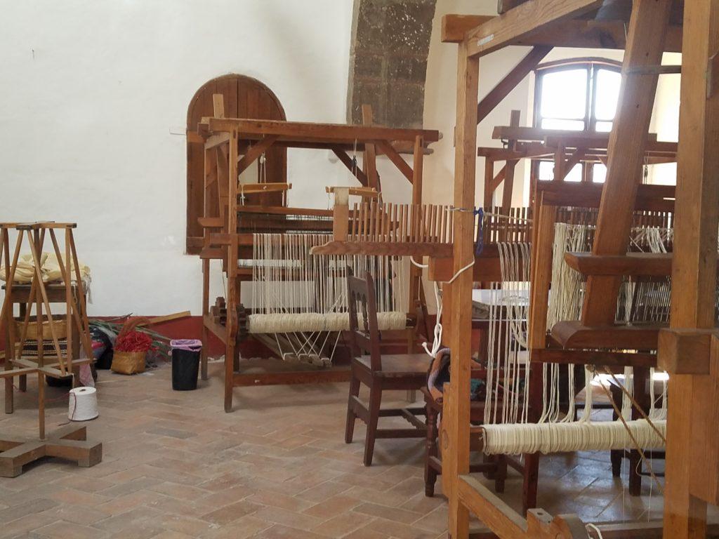Loom weaving classroom at Belles Artes in San Miguel de Allende, Mexico