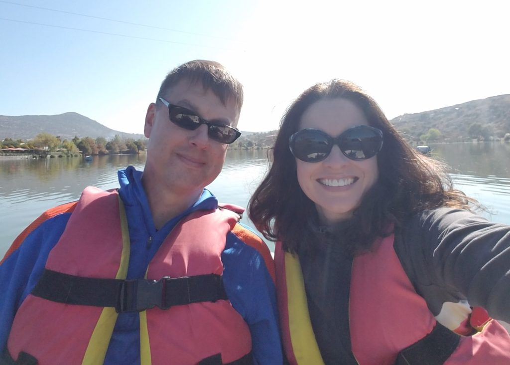 Tom and Tiffany on the lake at Parque Bicentenario, Santa Rosa Jauregui