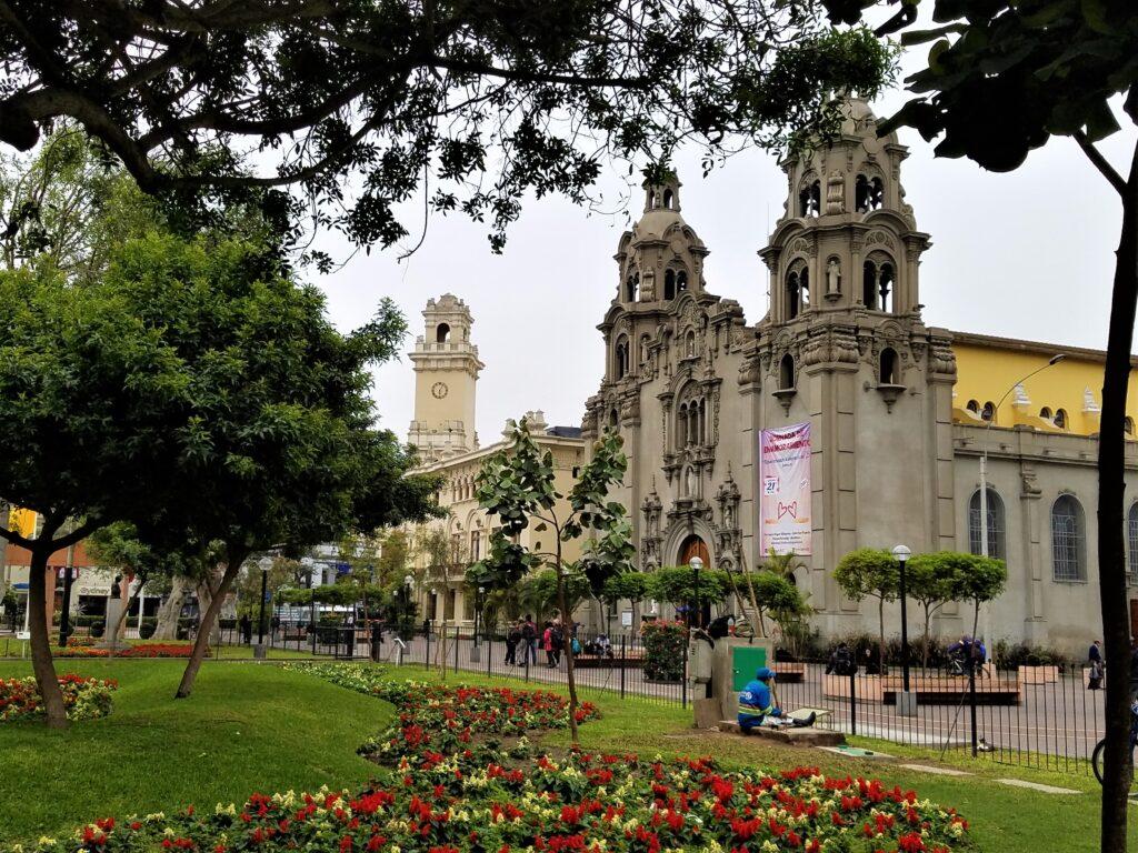 Parque Kennedy in Miraflores, Lima