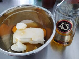 Ingredients for Licor 43 flavored cheesecake