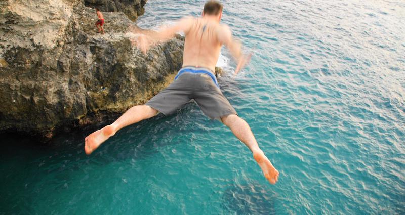 tours-ricks-cafe-cliff-jump