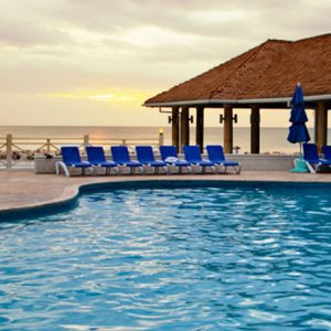 sunscape-pool