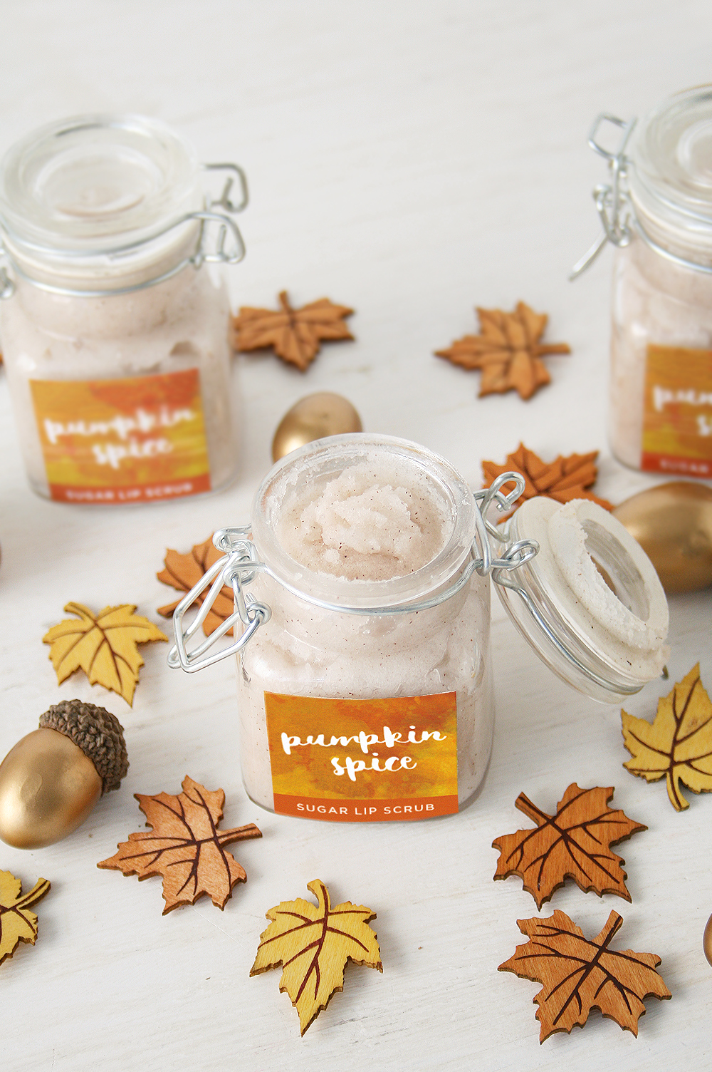 DIY Pumpkin Spice Sugar Lip Scrub | Club Crafted