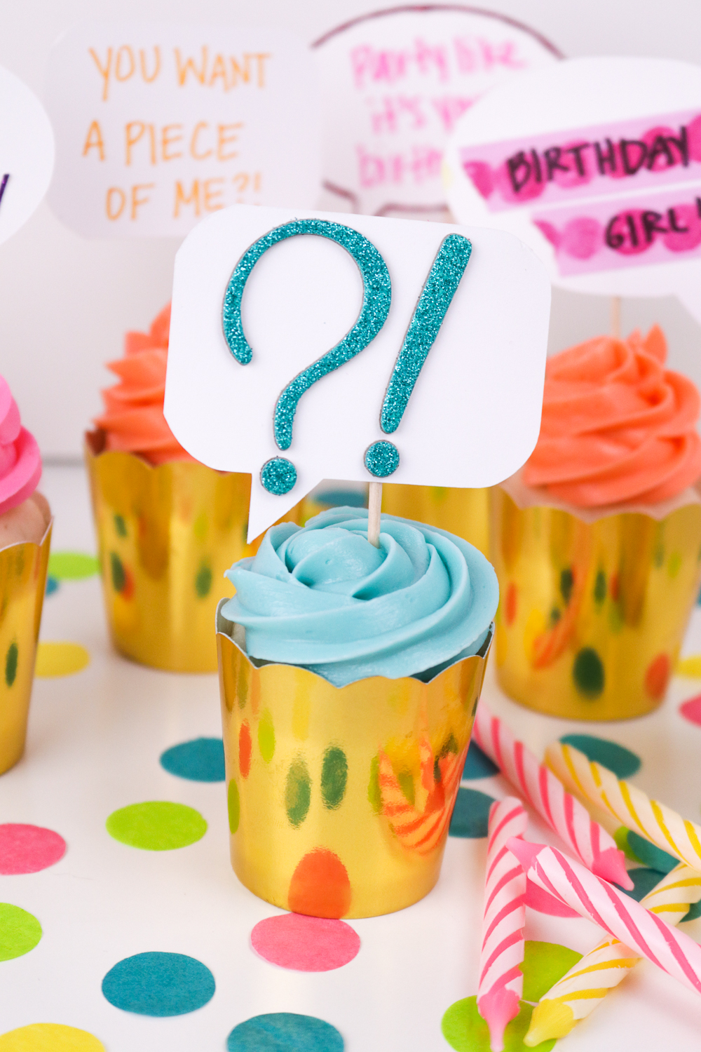 DIY Quote Bubble Cupcake Toppers | Club Crafted