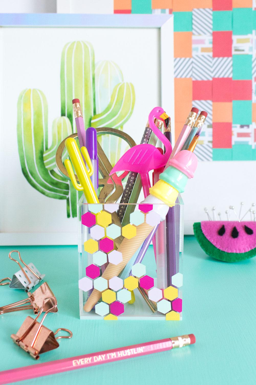 DIY Honeycomb Acrylic Organizer for your Desktop | Club Crafted