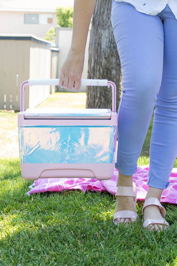 DIY Holographic Cooler (Ice Chest)   Club Crafted