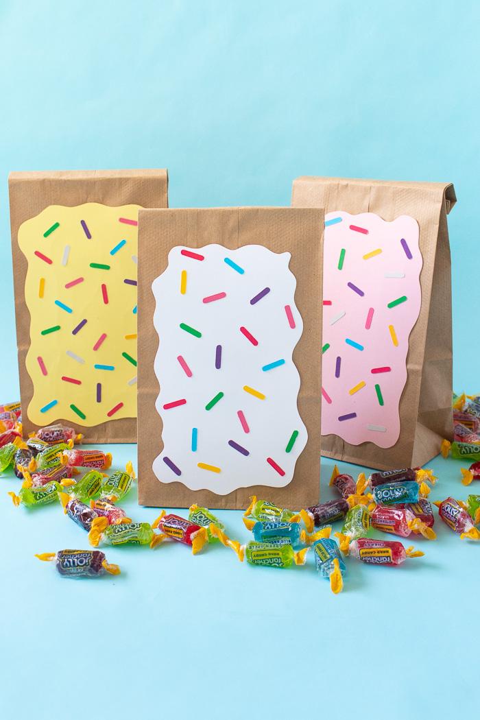 DIY Pop Tart Treat Bags   Club Crafted