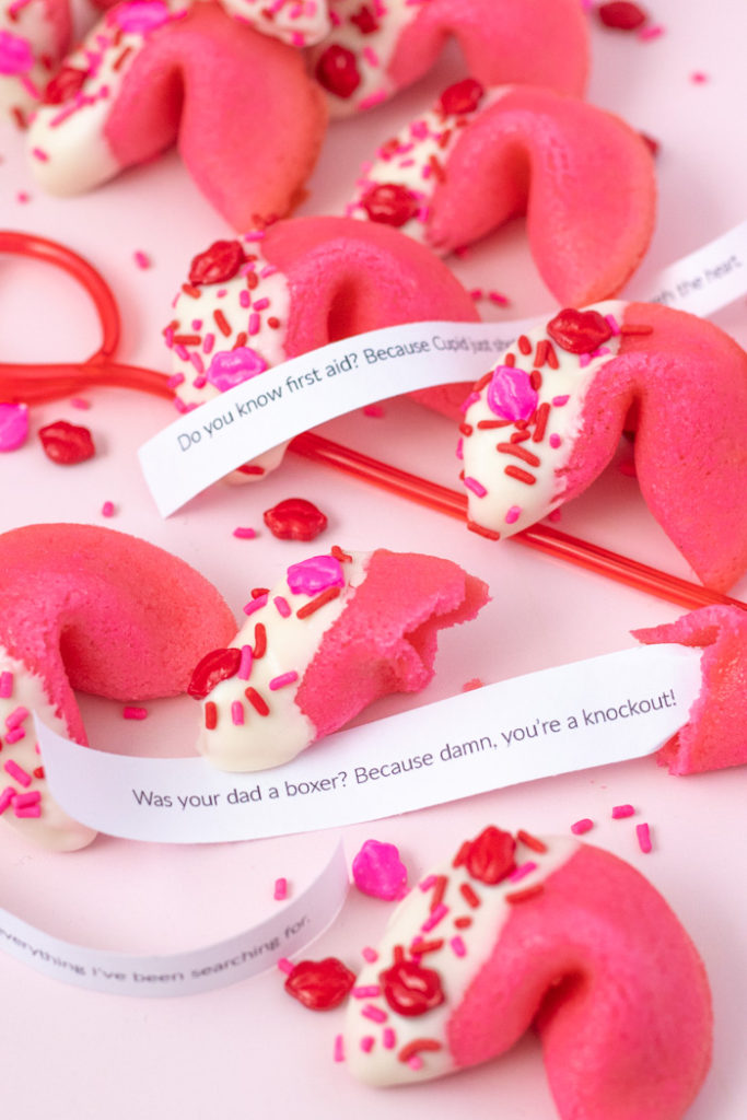 Valentine's Day Pick-Up Line Cookies (Fortune Cookies) | Club Crafted