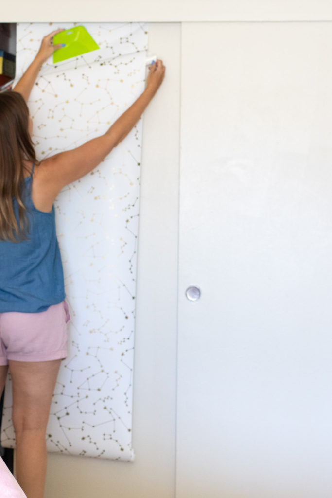 DIY Closet Door Makeover with Wallpaper + My Bedroom Refresh for Fall with Wayfair // How to use removable wallpaper for a rental-friendly closet door makeover that makes a statement! Plus, see how to update your bedroom for fall with small accents that make a big difference! #ad #homedecor #closetdoors #wallpaper #bedroom #falldecor #rentalfriendly #diydecor #roommakeover